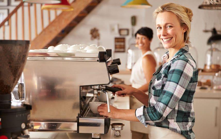 آيسلندا - الركيزة: مطعم ومقهى في آنٍ واحد