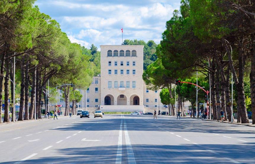 ألبانيا - جولة بين تيرانا وكرويه ليوم واحد