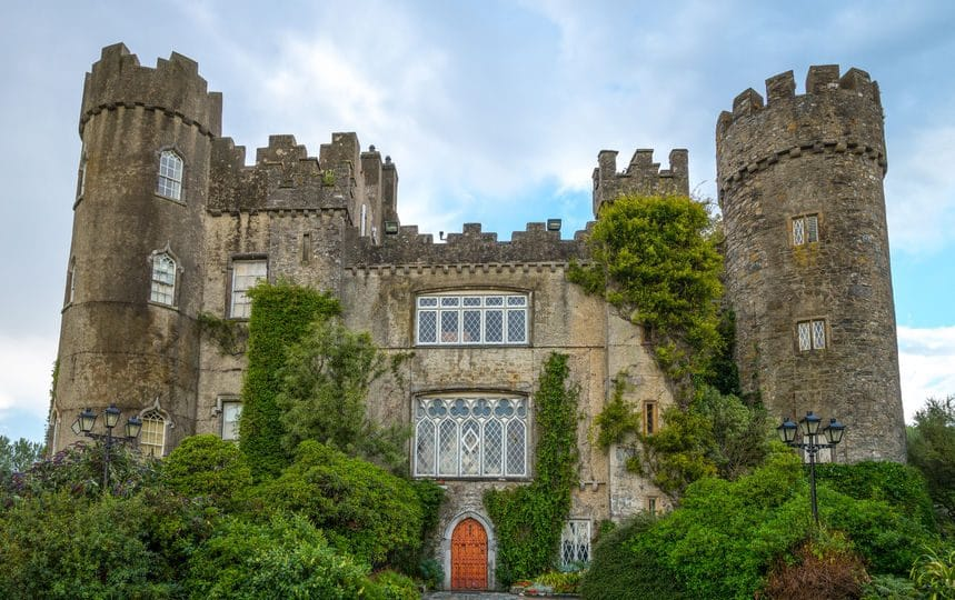 أيرلندا - قلعة مالاهايد: التاريخ والعراقة في أبهى صورهما