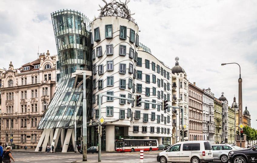 التشيك - البيت الراقص: مبنى فريد وجينجر المُبهر