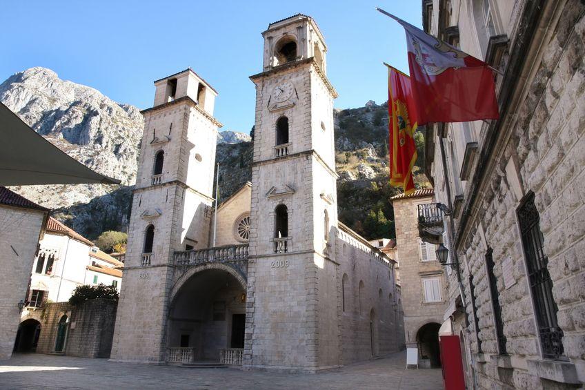 الجبل الأسود - كاتدرائية القديس تريفون: معلم ديني قبطي من الطراز الفريد