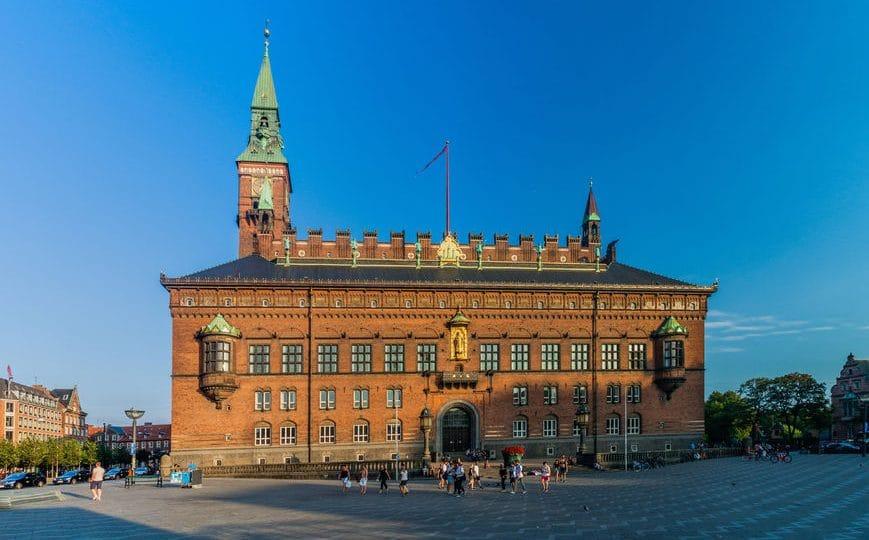الدنمارك - برج الساعة: أهم برج في الدنمارك