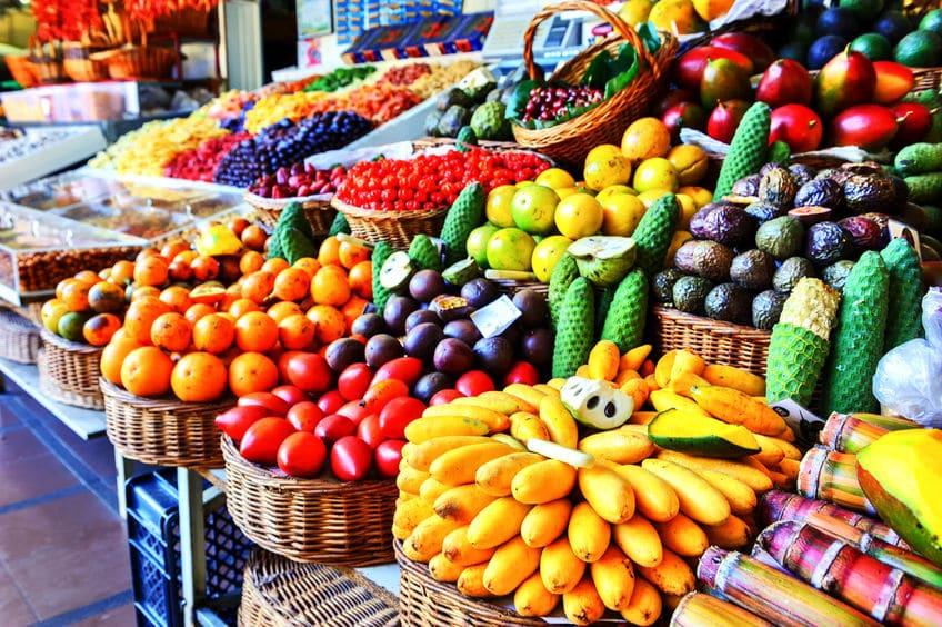 الكاريبي - سوق الفاكهة الاستوائية: أكبر سوق شعبي في منطقة الكاريبي