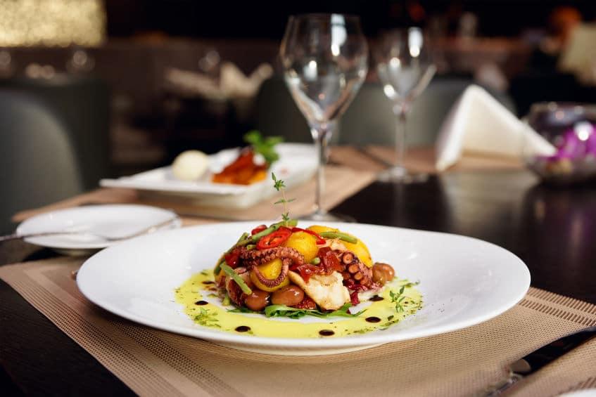 النرويج - أكل الخطّاف: أفضل مطعم لوجبة عشاء في النرويج