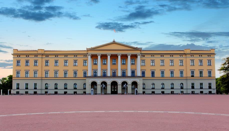 النرويج - القصر الملكي: أهم مبنى في أوسلو