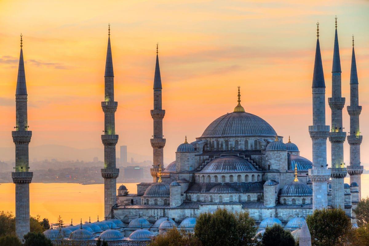 تركيا - مسجد السلطان أحمد: أعظم مساجد تركيا