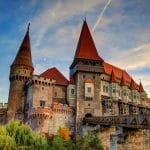 قلعة دراكولا: قلعة غامضة لأصحاب القلوب القوية
