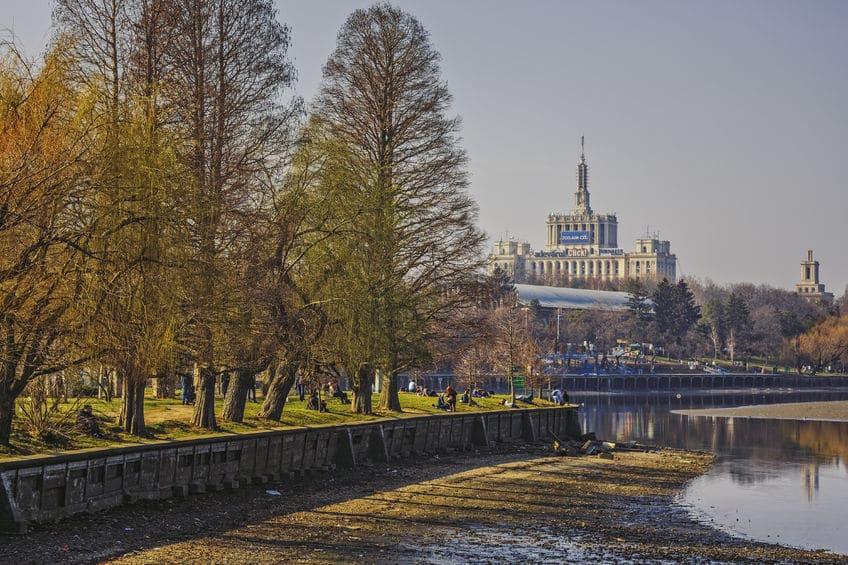 رومانيا - هيريستراو بوخارست: حديقة مثالية لجولة لا تُنسى
