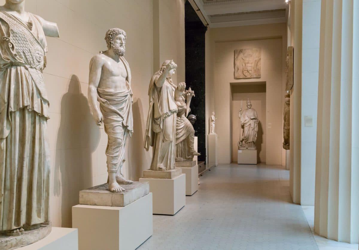فرنسا - متحف كالفيت في أفينيون