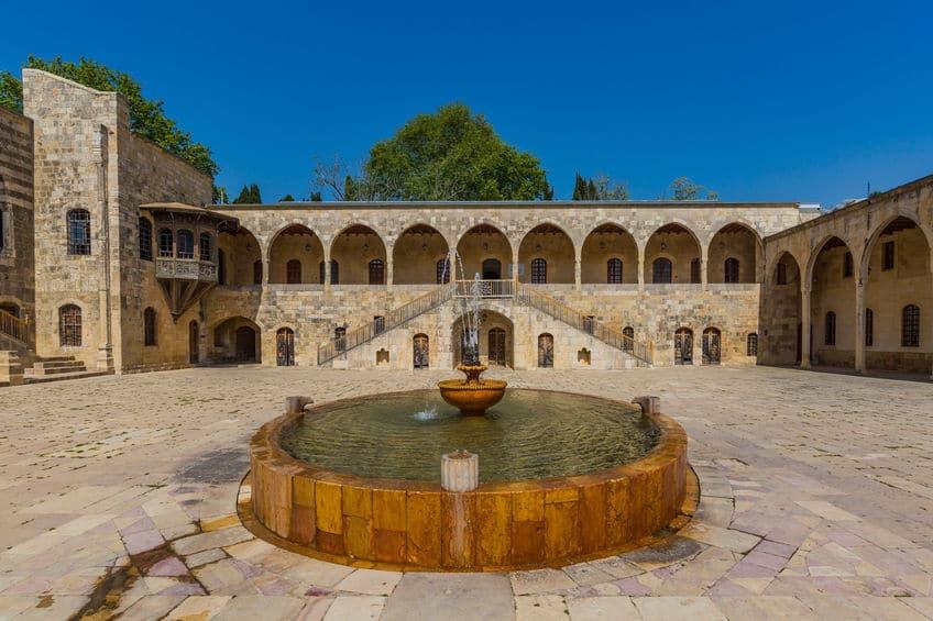 لبنان - بيت الدين: قصر لبنان الأول