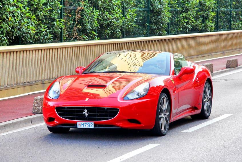 موناكو - تأجير سيارة فيراري في موناكو