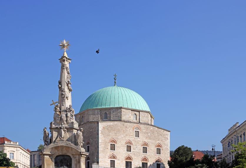 هنغاريا - غازي قاسم باشا: أحد المساجد الفريدة في هنغاريا