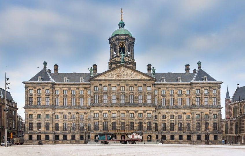 هولندا - القصر الملكي: المكان الأشهر في هولندا